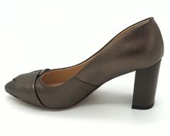 Бронзовые классические туфли на высоком каблуке