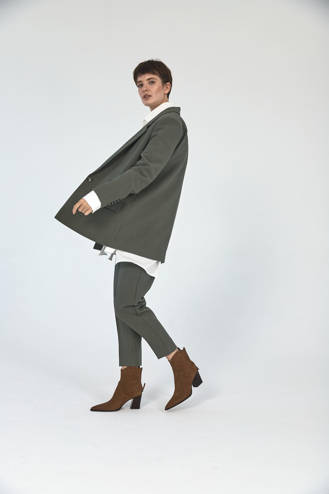 Жакет с большим плечом (костюмный твил), шалфей