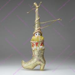 Ёлочная игрушка Гном в золотом сапожке