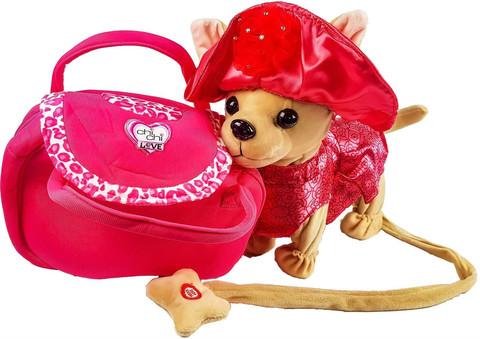 Собачка на поводке в шляпке