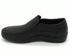 Кожаные черные полуботинки на гибкой подошве