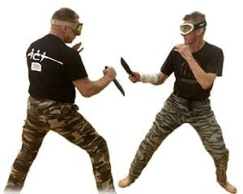 Купити тренувальні ножі та мечі