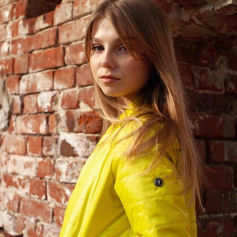 Дитячий бомбер жовтий з водовідштовхувальної плащової тканини