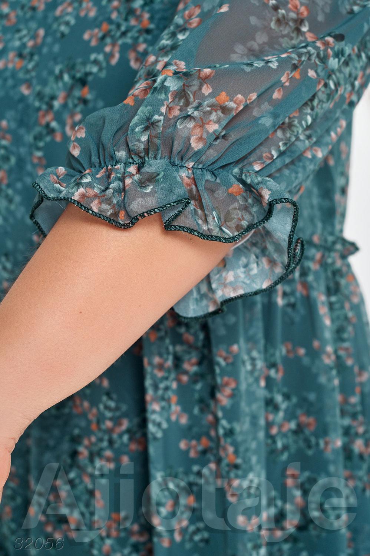 Шифоновое платье с рукавами фонарики.