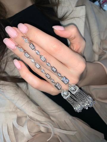 4829 - Серебряные серьги кисточки с багетными цирконами бриллиантовой огранки
