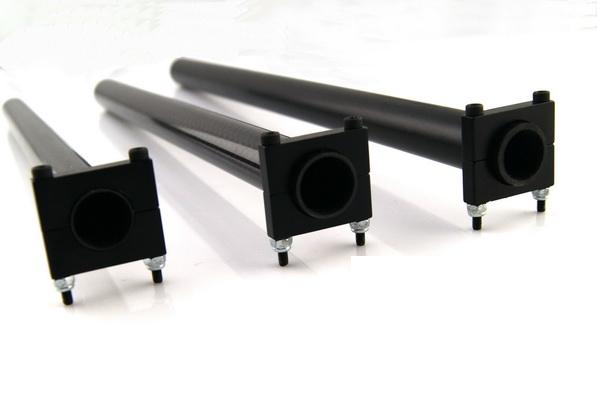Алюминиевые зажимы закреплены на карбоновых трубках 22мм