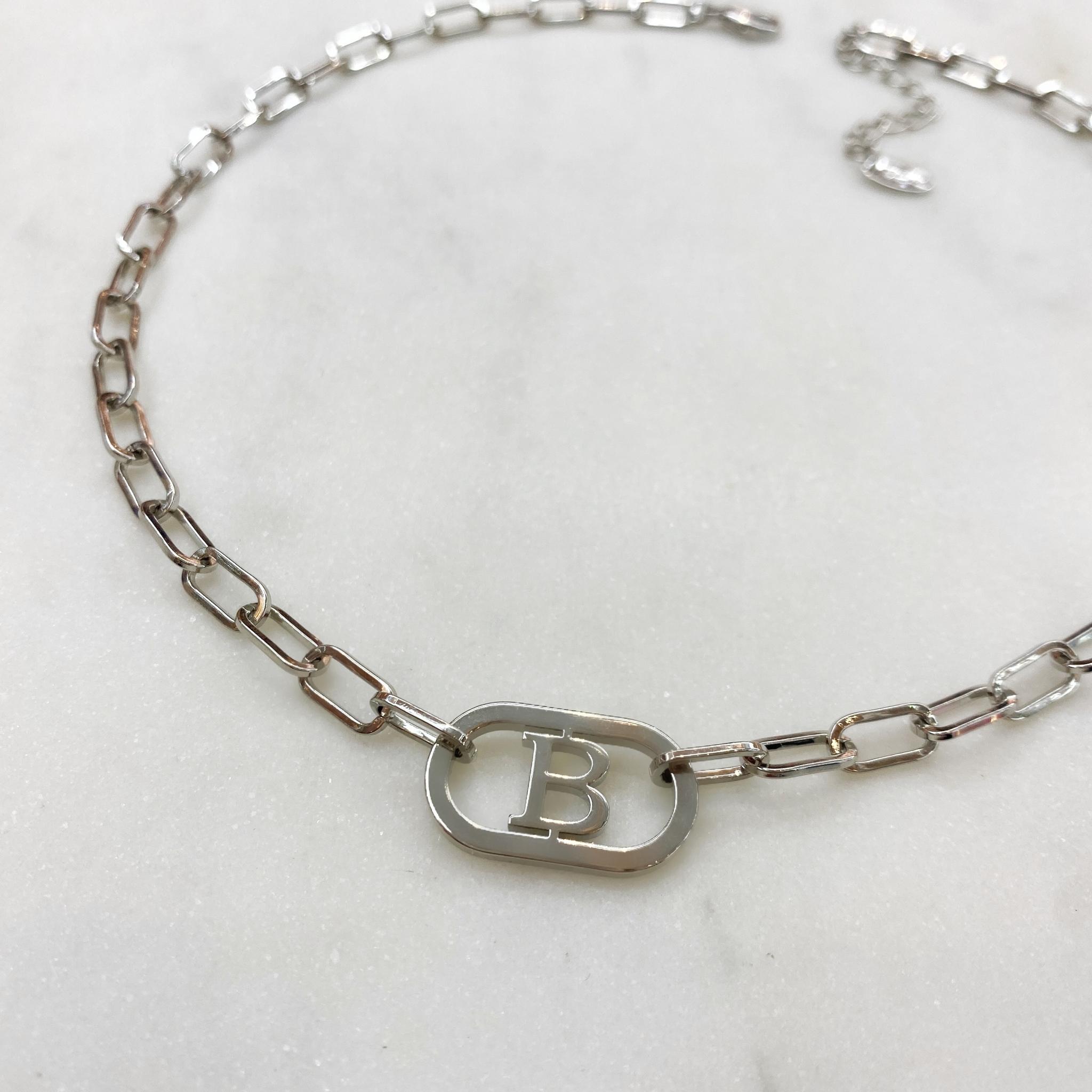 Колье-цепь с буквой B 40 см (серебристый)