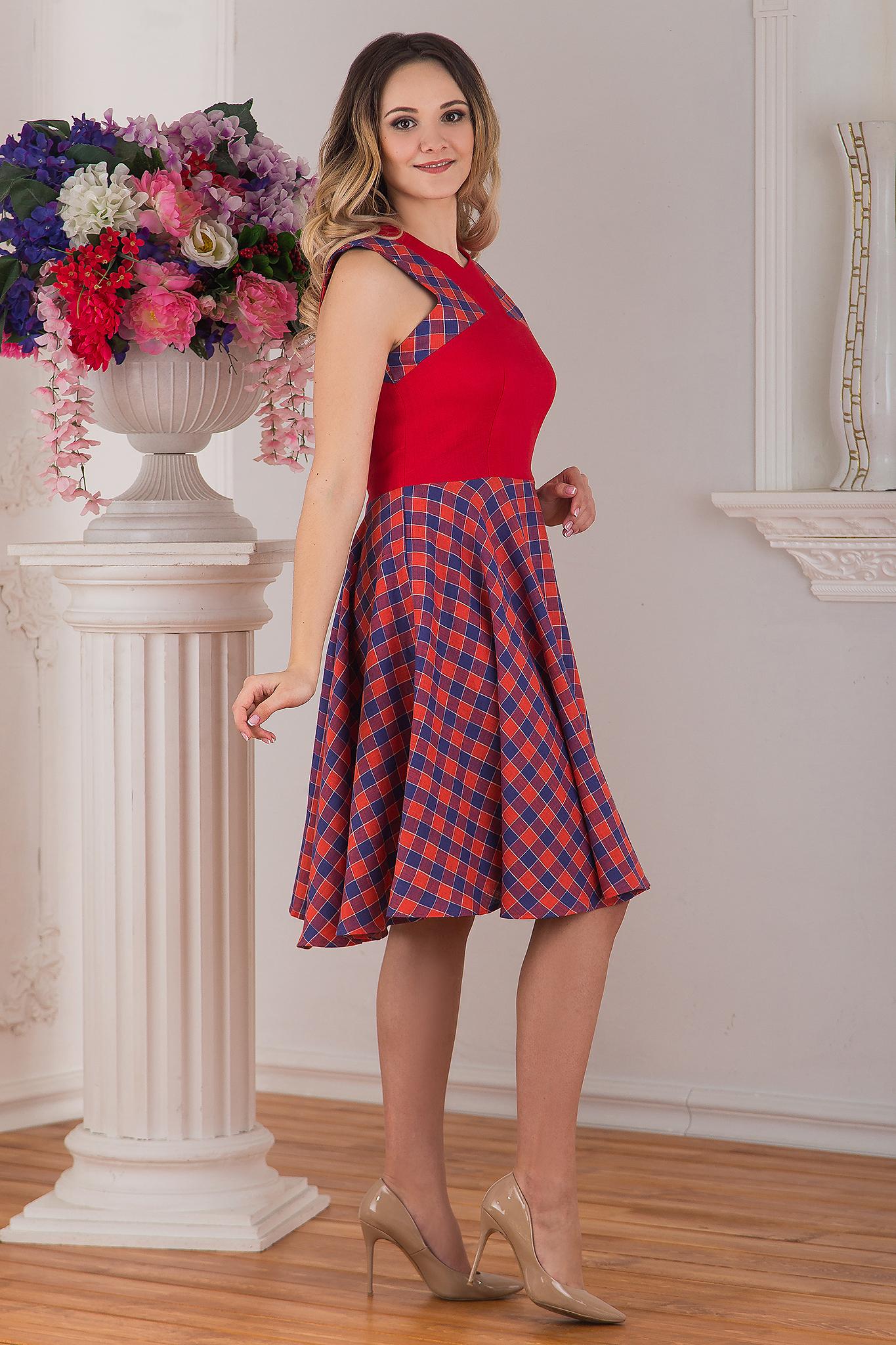 Современное льняное платье красное Раздолье от Иванка вид сбоку