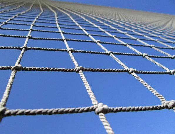 Веревочная сетка для лазания (ячейка 20x20 см, канат d=10 мм)