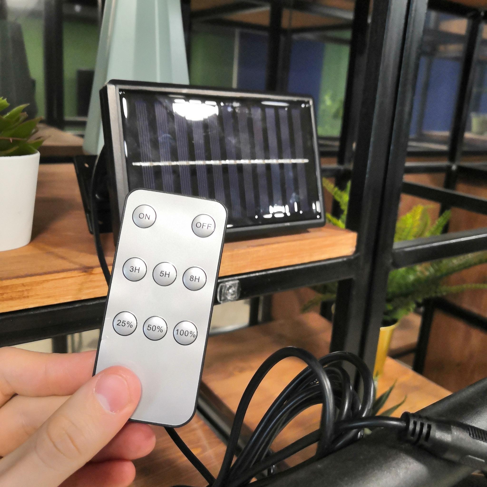 Лампа на крючке EPECOLED (на солнечной батарее, с пультом, 30LED)