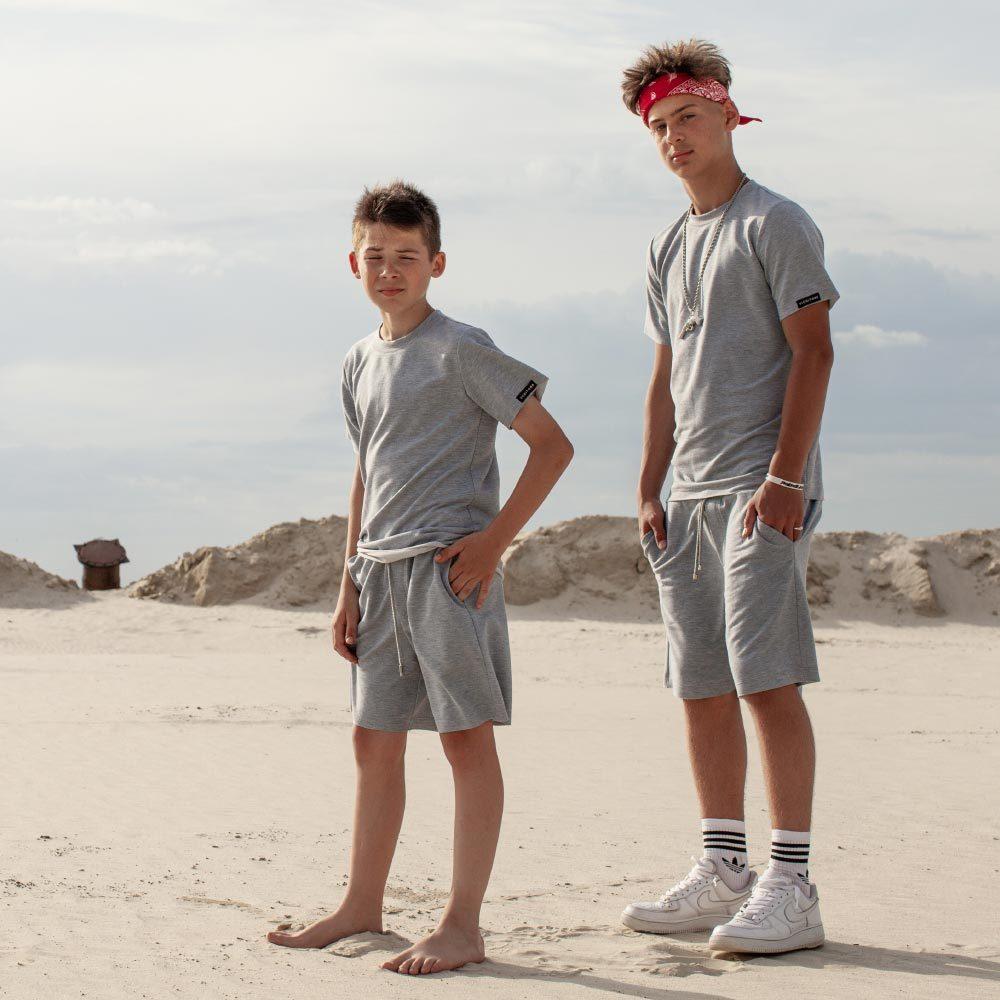 Дитячий підлітковий літній костюм з шорт і футболки в сірому кольорі для хлопчика