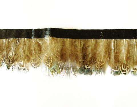 Тесьма  из перьев  фазана  около 4-6 см. Вид 4