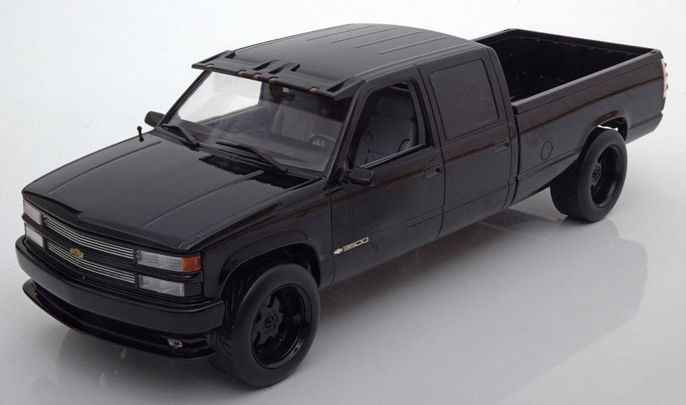 Коллекционная модель Chevrolet Silverado C 2500 Crew Cab 1997 Black