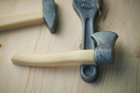 Мыло в виде инструментов. Форма Топор