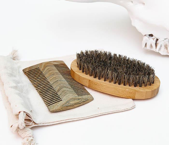RAZ494 Набор: гребень и расческа для бороды с мешочке