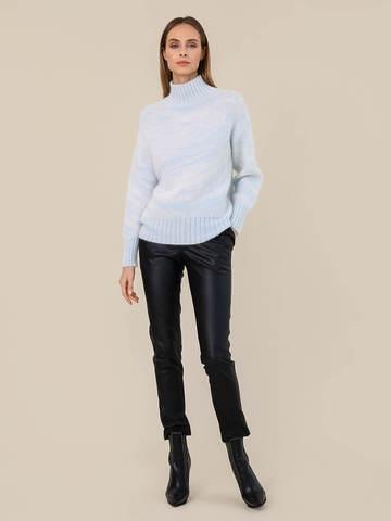 Женский свитер молочного цвета из мохера - фото 5