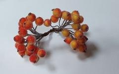 Ягодки для декора сахарные 1,2 см, пучок около 40 шт на проволоке.