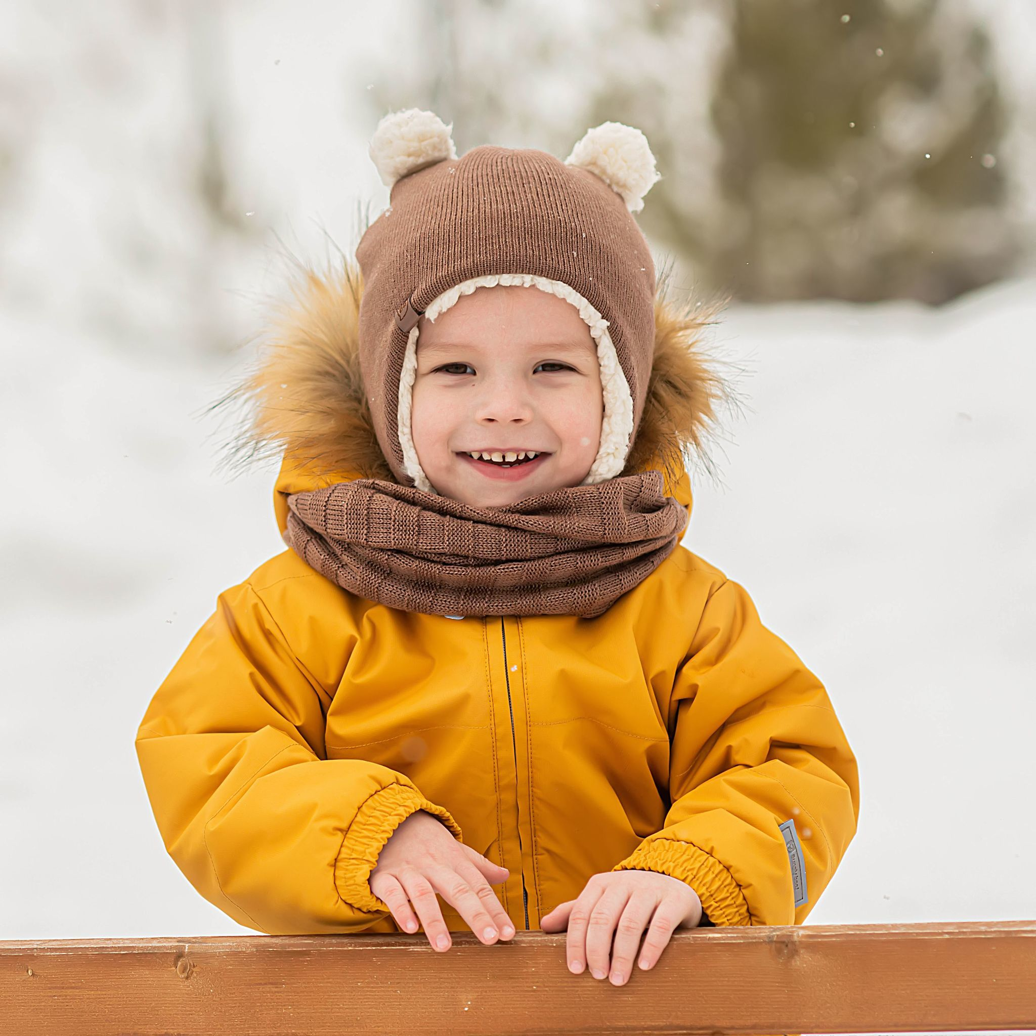 Earflapped hat with fur lining and ear appliques - Mocha