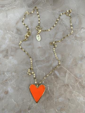 Колье из позолоченного серебра с сердечком из оранжевой эмали