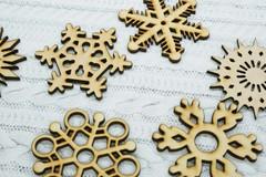 056-6138 Набор деревянных снежинок (9 шт.)