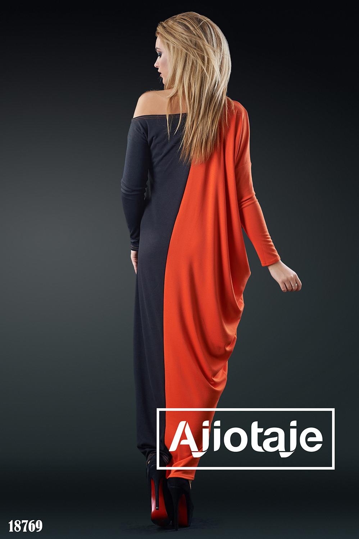 Платье макси с ассиметричным вырезом