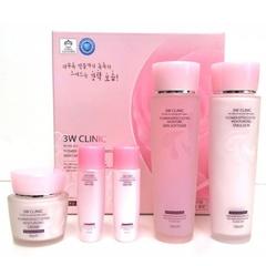 Набор косметики 3W Clinic с цветочными экстрактами для ухода за кожей лица