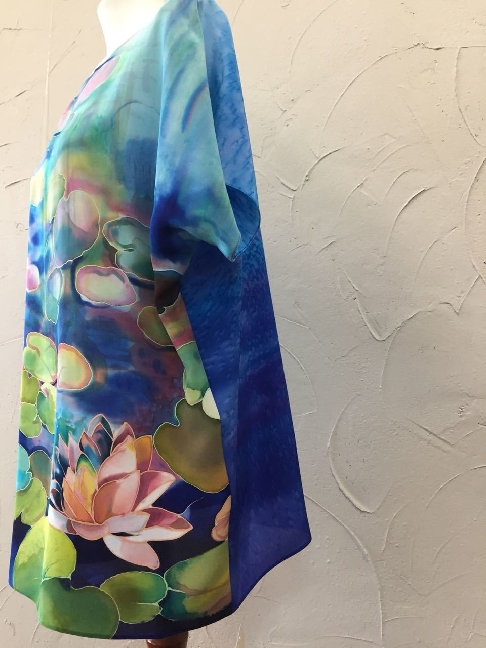 Шелковая блузка батик Моне Кувшинки