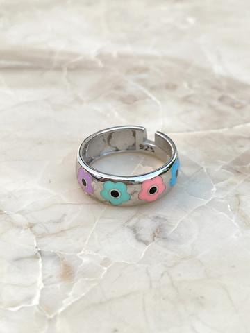 Кольцо Ромашка из серебра с цветами из эмали