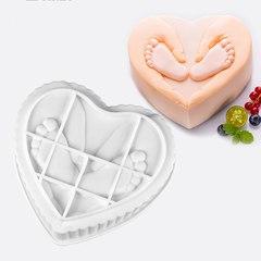 Силиконовая форма для выпечки Сердце с рисунком  (17х15см.) НОЖКИ МАЛЫША
