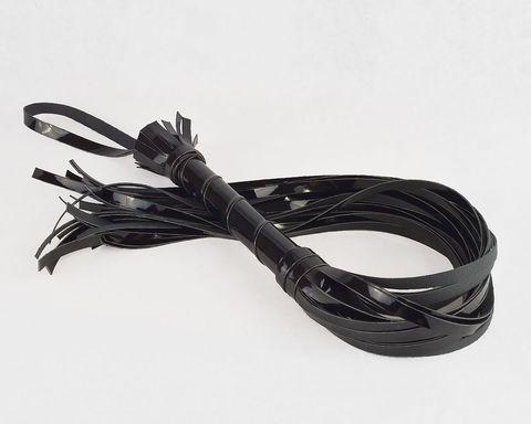 Черная лаковая плеть-флогер - 65 см.