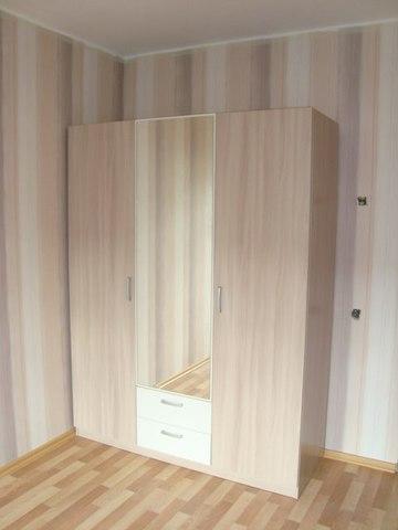 Шкаф эконом 3-х дверный с зеркалом