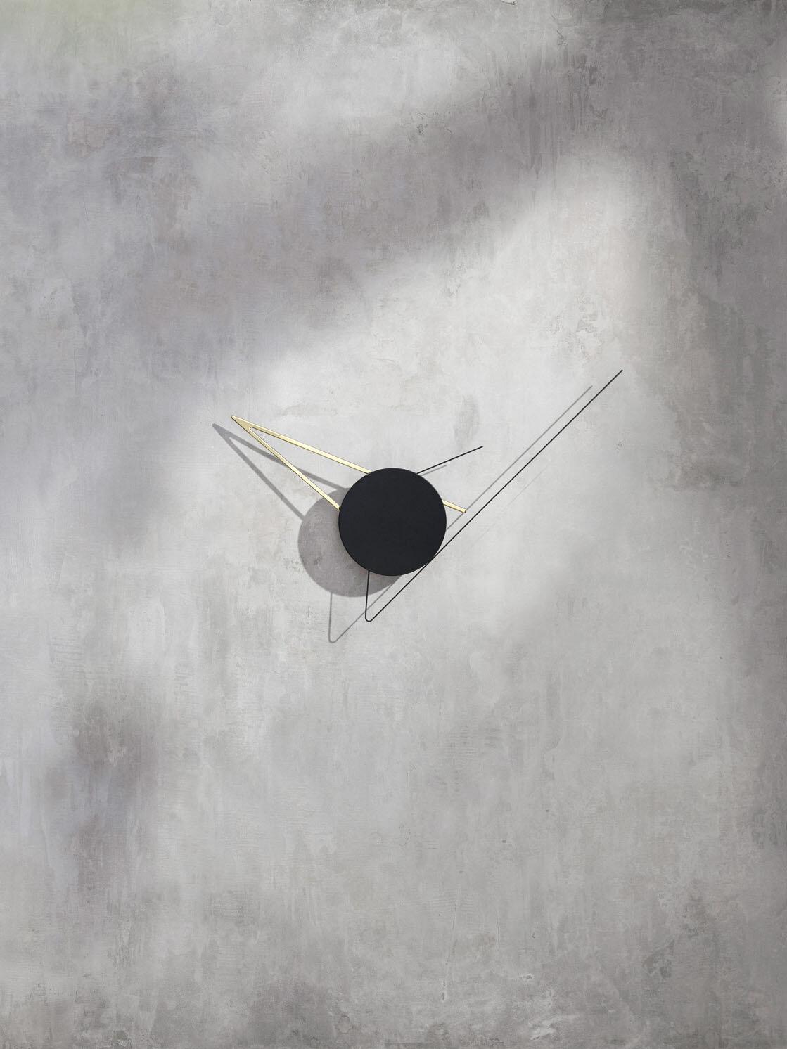 Beyond Object Настенные часы Silo Clock Gold