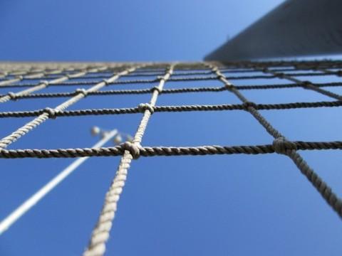 Веревочная сетка для лазания (ячейка 25x25 см, канат d=10 мм)