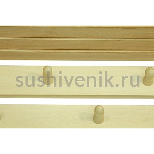 Деревянная вешалка с полочкой