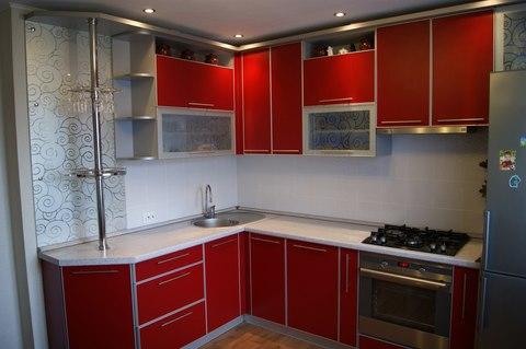 Угловая кухня матовый красный