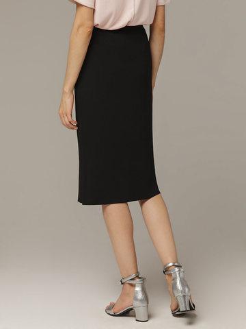 Женская черная юбка из вискозы с разрезом - фото 4