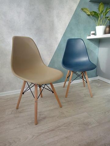 Интерьерный дизайнерский кухонный стул Eames DSW Style Wood, бежевый (капучино)