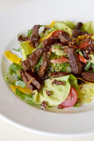 Салат теплий з яловичиною 180 г