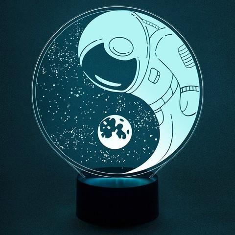 Ночник Космонавт в космосе #2