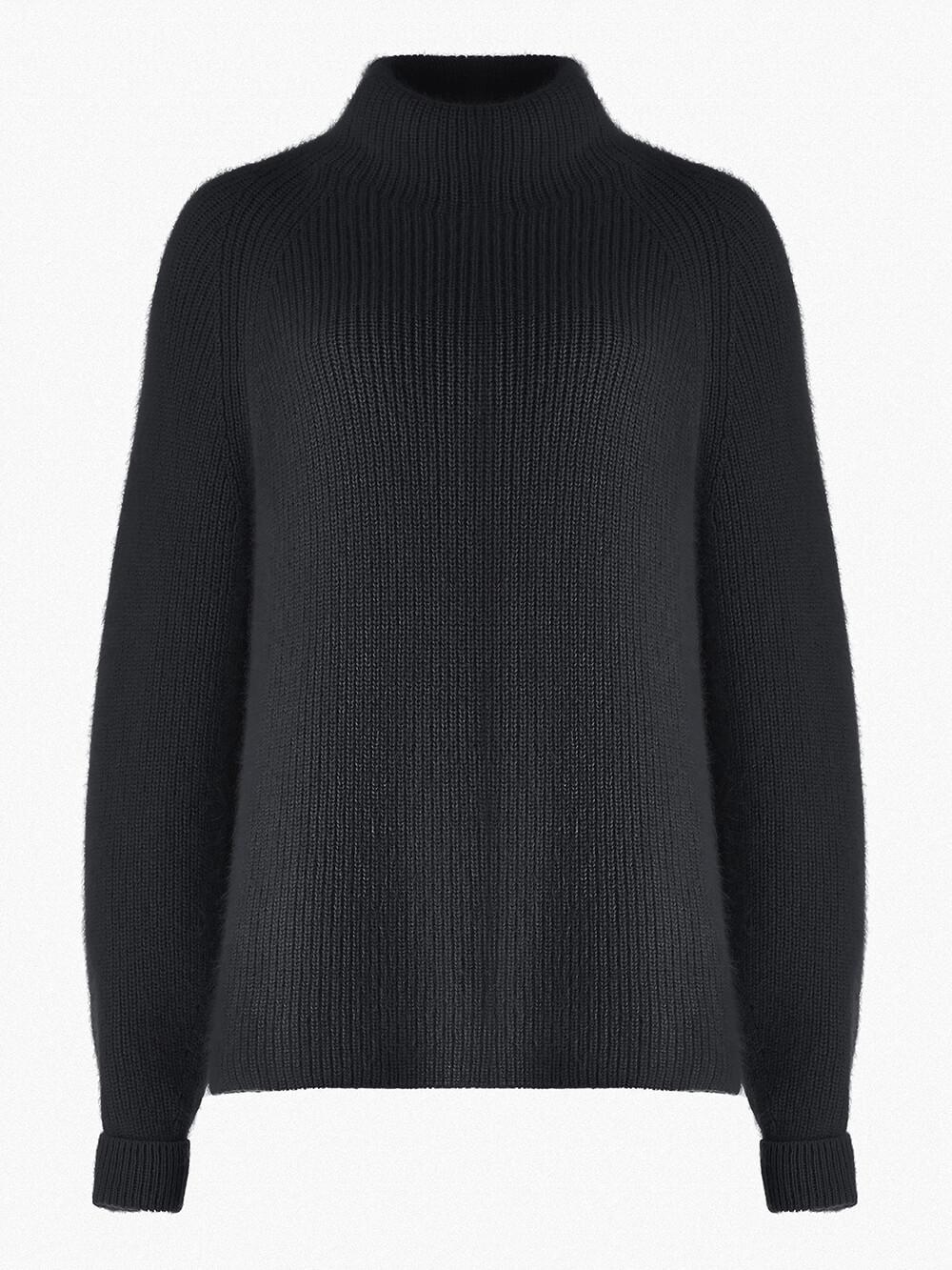 Женский свитер черного цвета из ангоры - фото 1