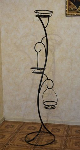 Подставка под цветы Кавалер на три горшка