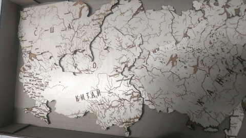 Детализированная настенная карта мира ДекорКоми из дерева