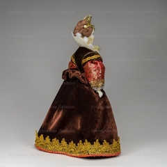 Сувенирная кукла в испанском костюме начала 17 века