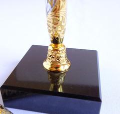 Ручка украшенная на подставке из долерита