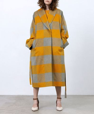 Пальто с комбинированным рукавом в клетку, цвет охра