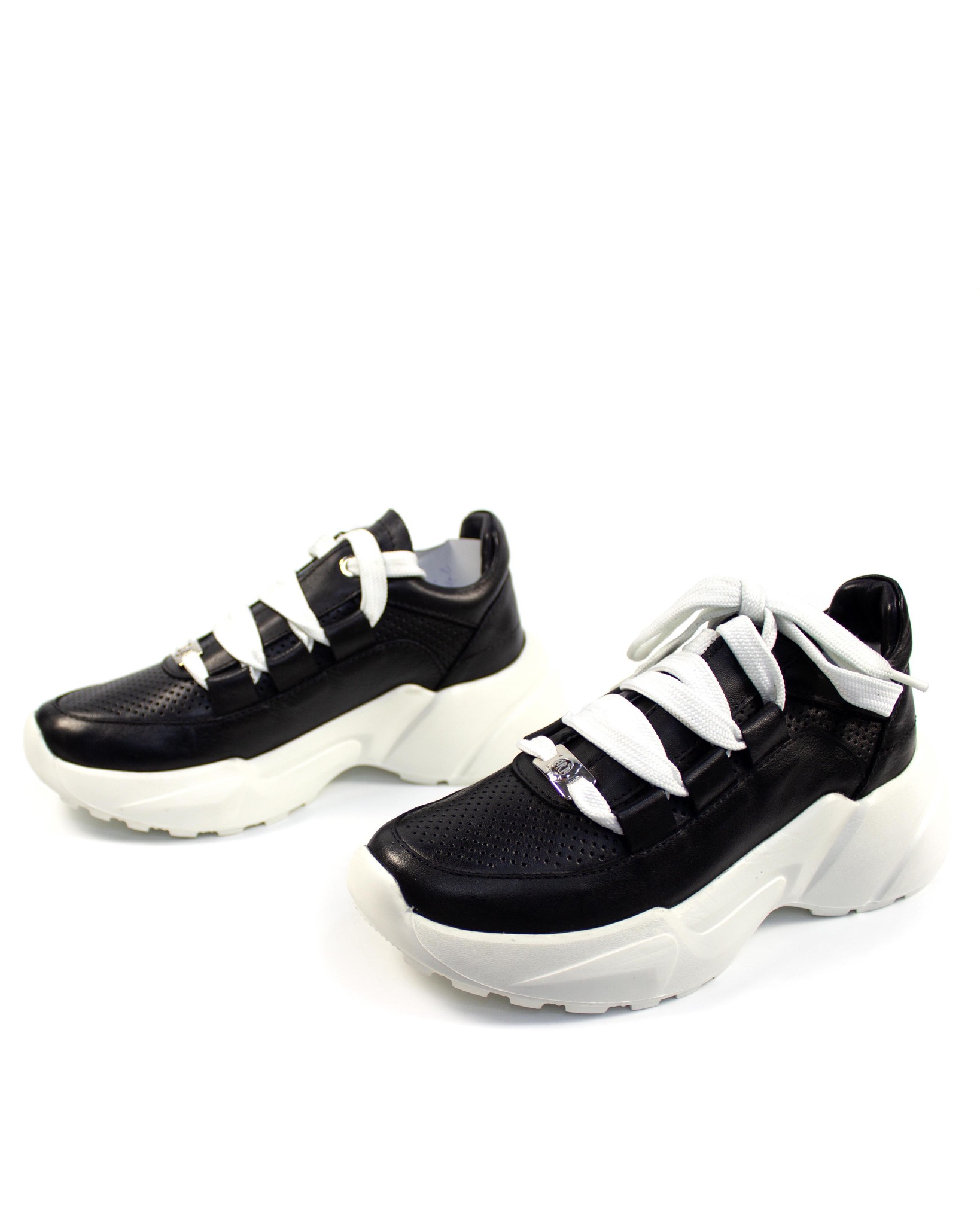 черные кроссовки Mario Muzi