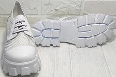 Туфли на платформе белые. Туфли с белой подошвой женские сетка Gold Deer 157-963 White.