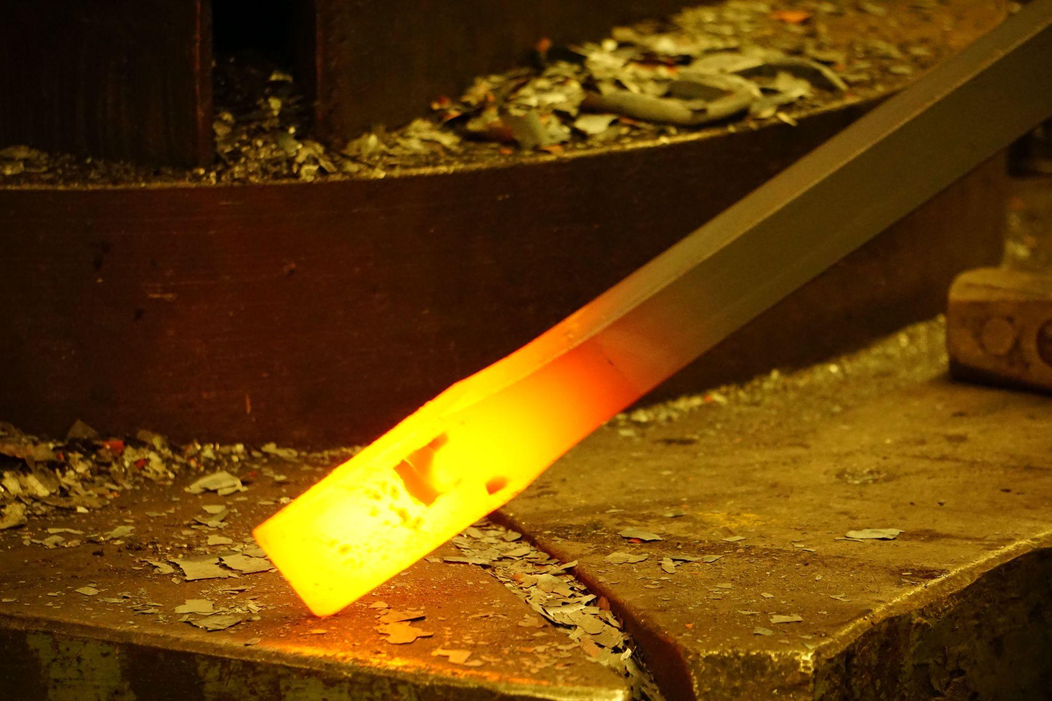 Лом кованый с набалдашником. Форма-зубило 1400x28mm DeWit