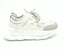 Белые кроссовки из натурального велюра на платформе