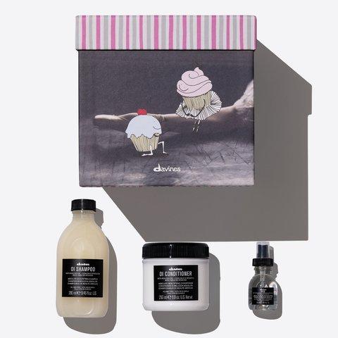 Набор  OI Gift box для абсолютной красоты всех типов волос (OI шампунь 280 мл, OI кондиционер 250 мл, OI масло 50 мл)